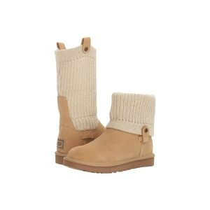 NWT!! UGG Saela Rib Knit boots / Size 10
